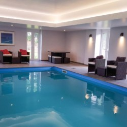 house to rent with pool near birmingham