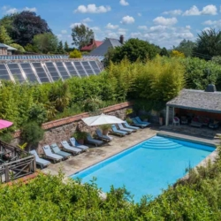 house for rent with pool devon