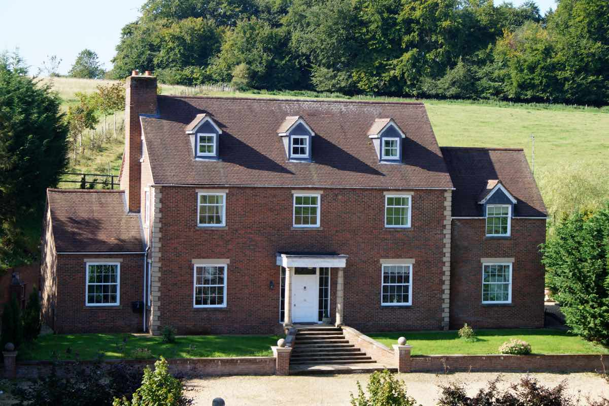 party houses for rent UK
